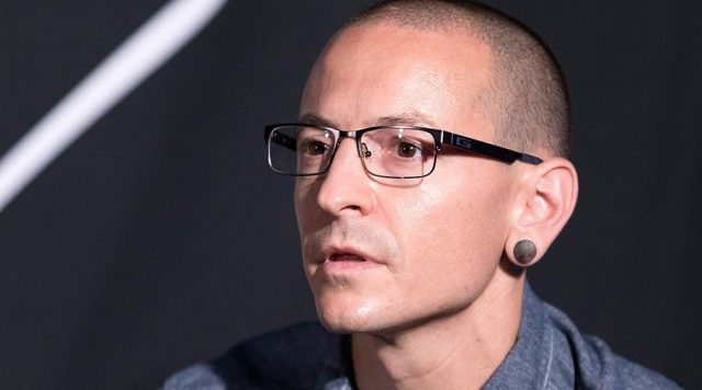 """Talking To Myself"", Pengantar Bunuh Diri Vokalis Linkin Park?"