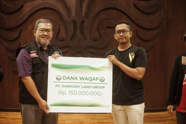 "Luncurkan Buku ""Be Succesful Young Propertypreneur"", CEO Harmony Land Sumbang Global Wakaf Corporation"